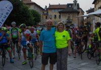 Engarda Giordani insieme a Franco Piola di Edilcusio alla partenza della Pedalata Tra Le Stelle 2019